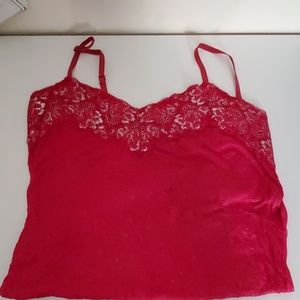 Red lace trimmed cami/tank